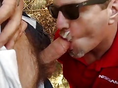 Married Father of 3 Eats Cum During Lunch Break