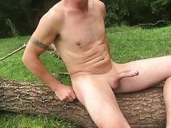 Early morning wank outdoors