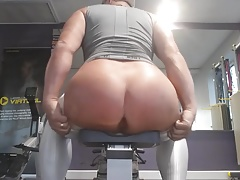 At the gym in Arroyamn tights