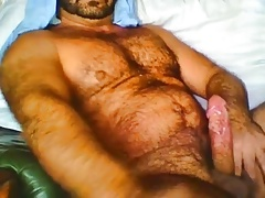 Hairy Hunk Bear solo cum swalow