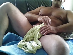 HOT HAIRY BEAR NICE CUM