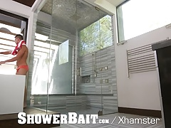 ShowerBait Str8 shower fuck with Ian Greene and Blake Carson