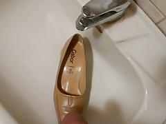 Piss in wifes beige work shoe