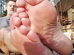 MATURE MALE RAUCHY SEXY FEET