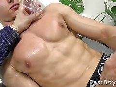 Jared Shaw - Muscle Worship Massage and Handjob