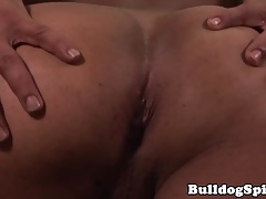 Solo hunk stuffs his round ass with big toys